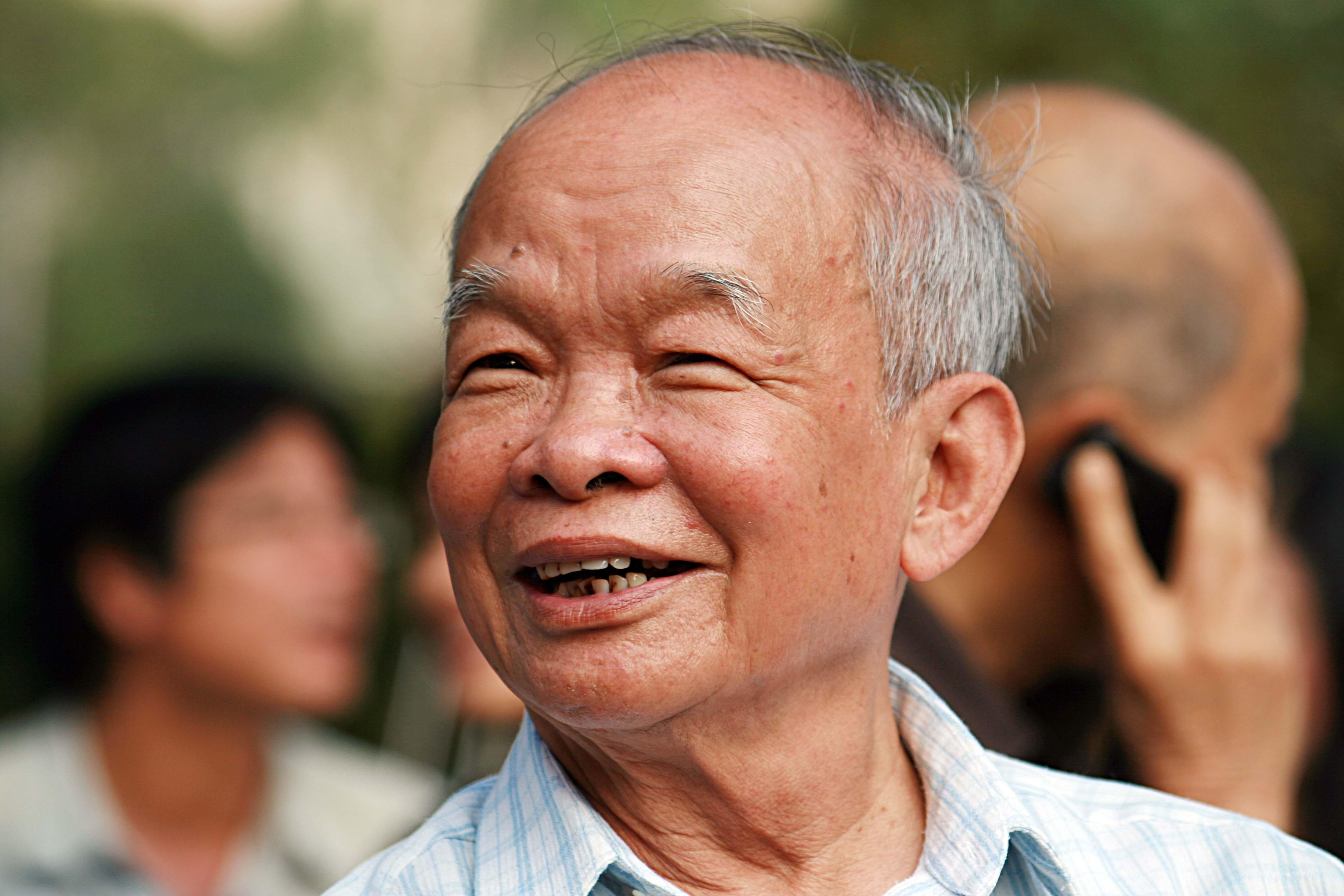 phan-tich-hinh-tuong-rung-xa-nu1